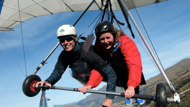 Hang gliding in Queenstow