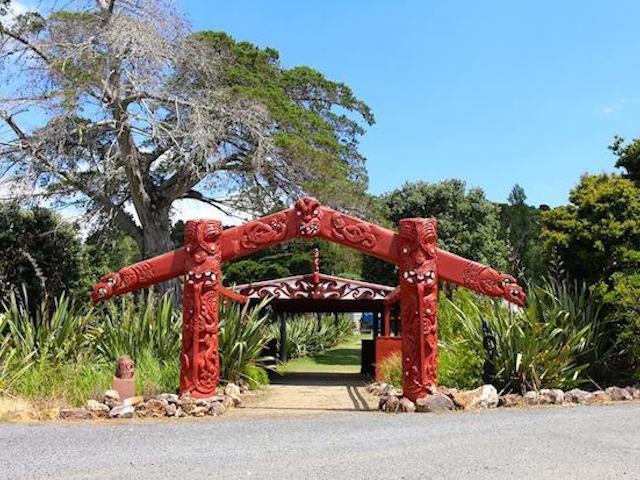 Maori people post