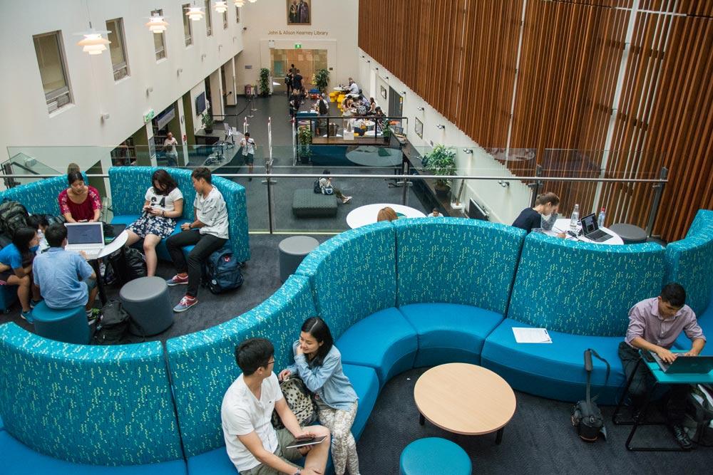 Bond University's academic calendar closely follows the American academic calendar