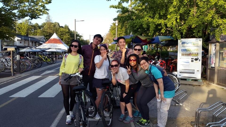 Group of friends on the Yangsu Bike Trail